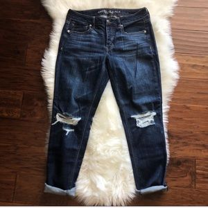 American Eagle Distressed Tomgirl Jeans Size 4